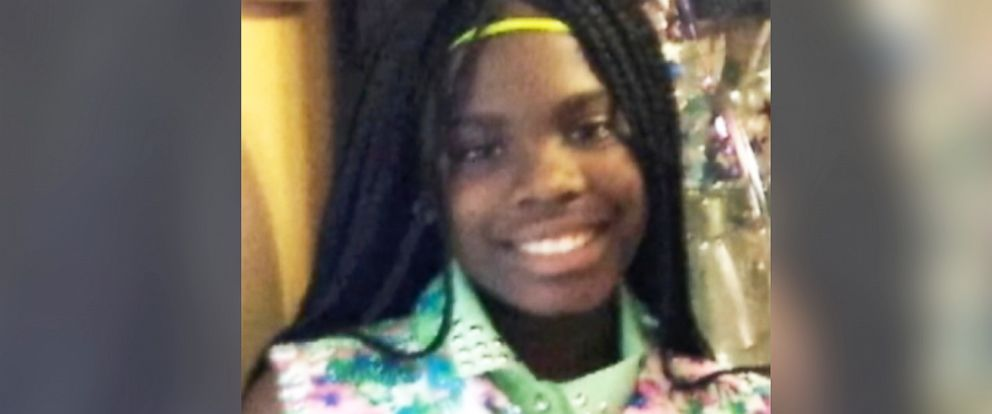 PHOTO: A vigil is held for a murdered 11-year-old Chicago girl as police search for her killer.