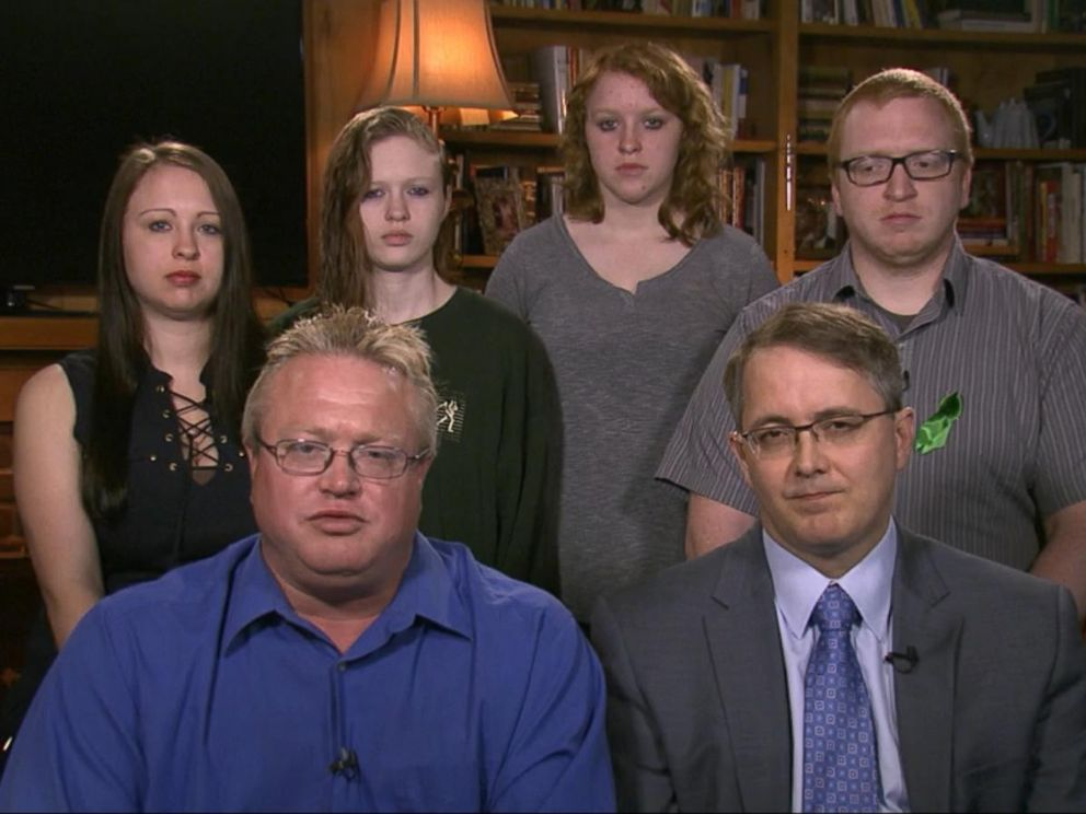 PHOTO: Family members of missing Tenn. student and former teacher speak out.