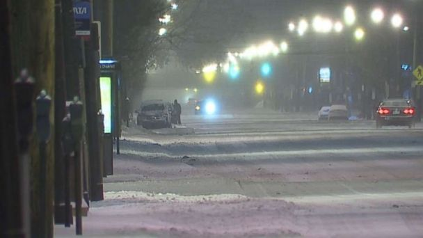 http://a.abcnews.com/images/US/abc-cleveland-snow-mo-20171215_16x9_608.jpg