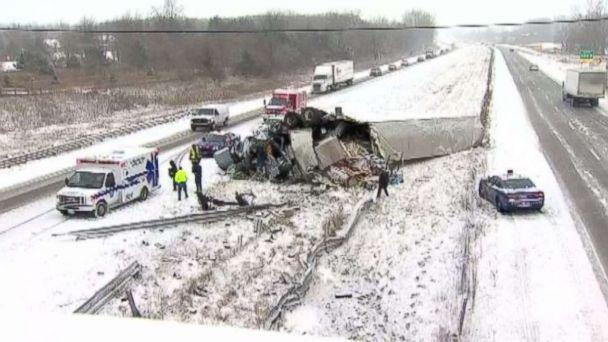 http://a.abcnews.com/images/US/abc-mich-snow-crash-mo-20171214_16x9_608.jpg