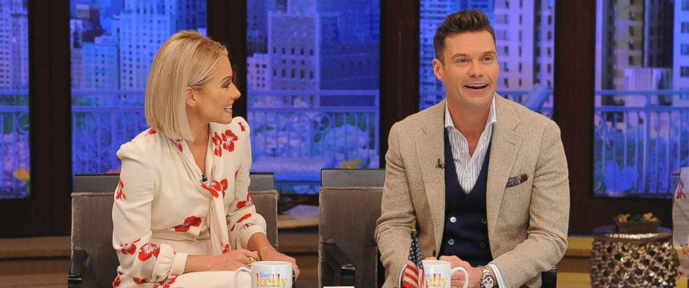 """PHOTO: Kelly Ripa introduces Ryan Seacrest as the permanent co-host joining her on """"LIVE with Kelly & Ryan,"""" on ABC, May 1, 2017."""