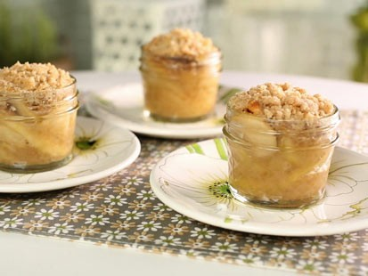 Little Big Town's Kimberly Schlapman's apple crisp mini pies are seen here.