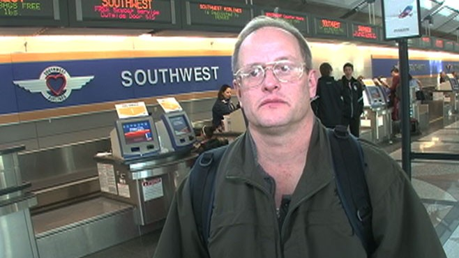 VIDEO: Mark Dickinson was running late for a flight to visit his dying grandson.