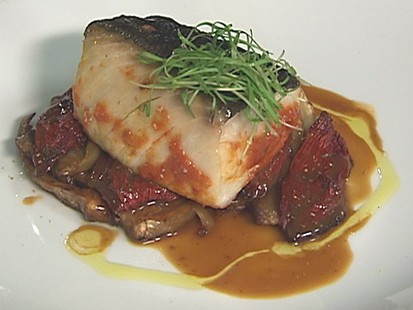 VIDEO: Scarpetta chef Scott Conant creates a fennel-fantastic baked fish.