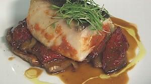 VIDEO: Scarpetta chef Scott Conant creates a fennel-fantastic baked fish.