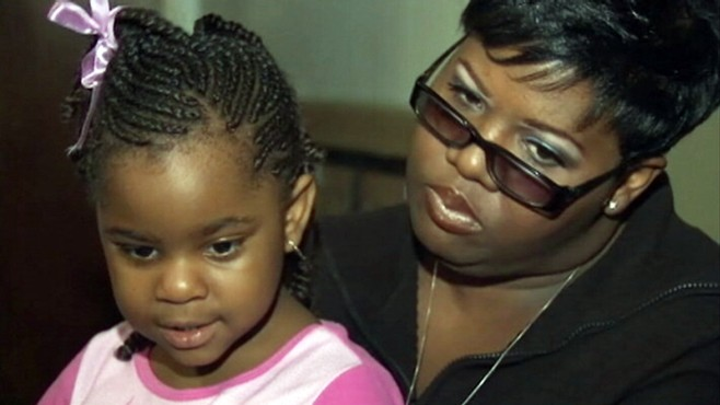 VIDEO: Chicago mom claims restaurant chain botched her daughter's milkshake order.