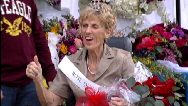 PHOTO: Mary Beth Brutsman, who was diagnosed with terminal throat cancer, always wanted to attend the Rose Parade in Pasadena, so her family brought the parade to her in Arizona.