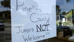 PHOTO: Sign on door of Chili's in Clearwater telling Casey Anthony jurors that they aren't welcome