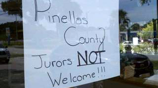 PHOTO:&nbsp;Sign on door of Chili's in Clearwater telling Casey Anthony jurors that they aren't welcome