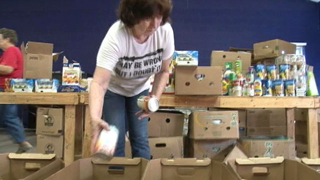 PHOTO:A pastor in Arkansas and his congregation spend just $700 a month and are able to feed more than 700 people.