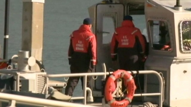 PHOTO: The US Coast Guard continues its search for a family of four whose boat sank near Pillar Point, just south of San Francisco, Calif.