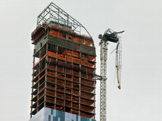 Dangling NYC High-Rise Crane Boom Now Tethered