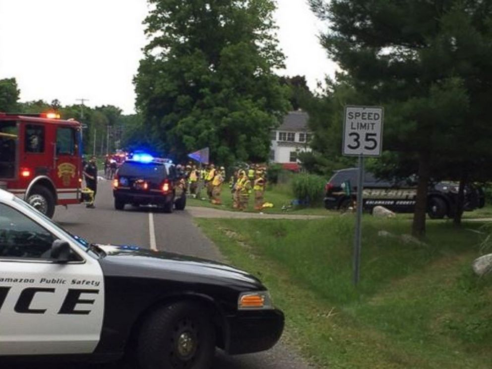 PHOTO: First responders at the scene of an accident in Kalamazoo, Michigan, that left 5 dead.