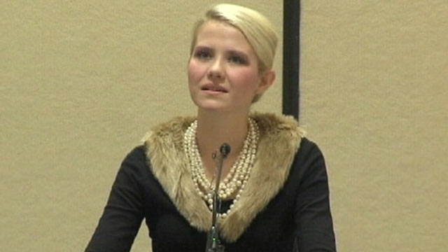 PHOTO: Kidnapping victim, Elizabeth Smart, talks in