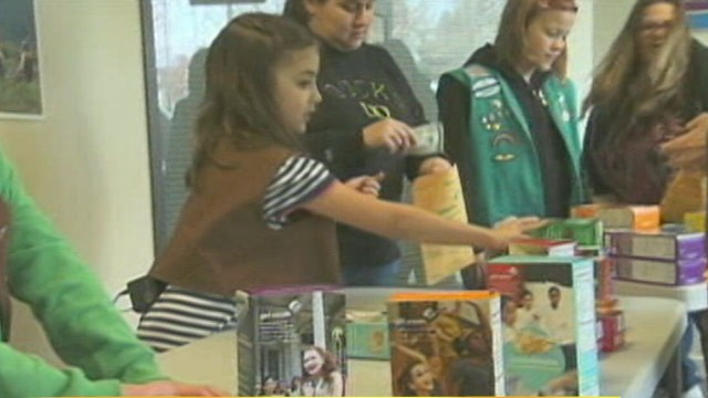 PHOTO: Two Oregon Girl Scout troops held an emergency sale after being apparently hoaxed into believing they had made a massive corporate cookie sale for 500 cases of cookies.