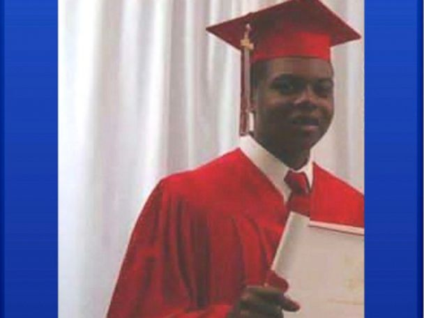 Chicago officers indicted in shooting death of Laquan McDonald