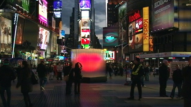 VIDEO: Pulsing heart sculpture to shine in Times Square throughout February.