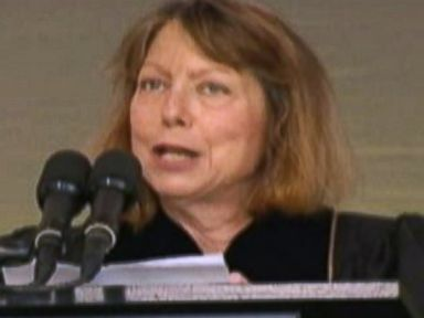 Jill Abramson Tells Grads She's Just Like Them - Looking for a Job