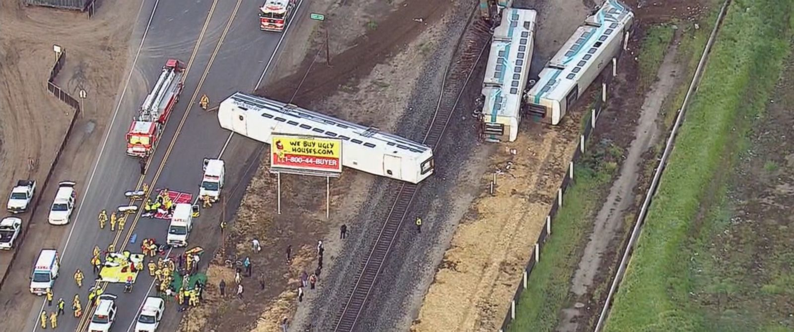 PHOTO: Southern Californias Metrolink commuter service says one of its trains struck a vehicle, causing a number of train cars to derail in Oxnard, Calif., Feb. 24, 2015.