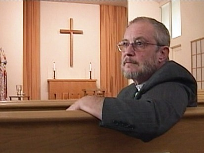 VIDEO: Transgender pastor in Oregon opens up to his congregation 27 years after changing his sex.