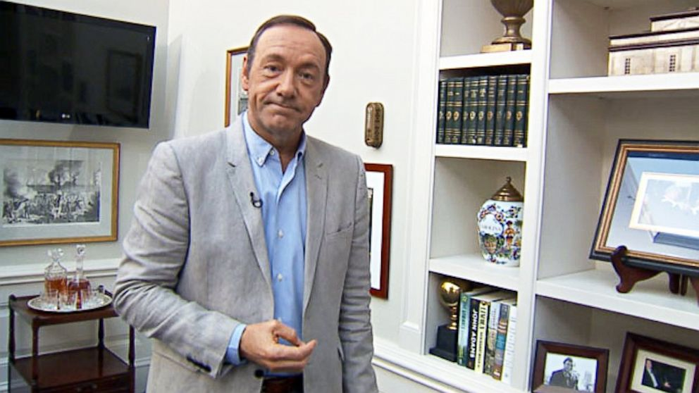 Kevin spacey deals a great hand with house of cards abc news