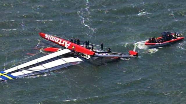 abc_kgo_capsized_boat_ll_130508_wg.jpg