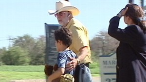 VIDEO: A man in Texas allegedly tricked court officials and then kidnapped his son.