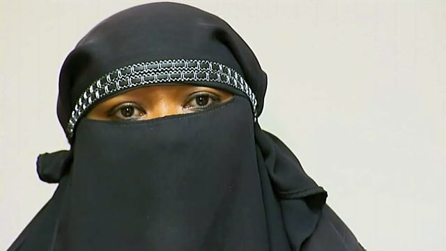 PHOTO: La Fleur Mohamed, claims she was turned away from Chevron for not removing her face vei