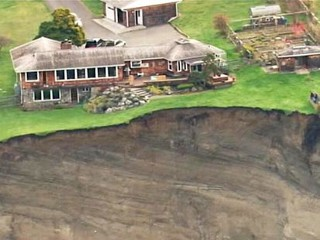 Washington Landslide Forces Evacuations