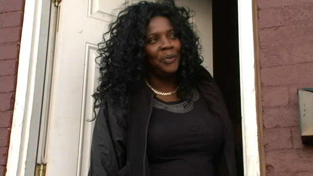 PHOTO: Merlande Wilson speaks to the media from the door of her Baltimore, MD, home, April 2. 2012.