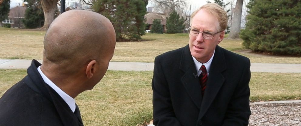 """PHOTO: Paul Cassell, right, a now-retired federal judge in the Utah circuit, talks with """"Nightline"""" co-anchor Byron Pitts about the mandatory minimum case that still haunts him."""