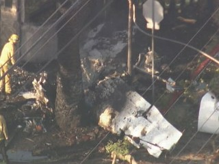 Plane Hits LA Neighborhood; 1 Dead
