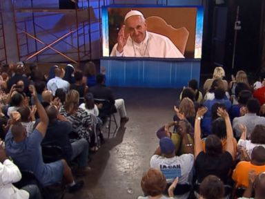PHOTO: Pope Francis waves at the audience gathered for the event in Los Angeles on Aug. 31, 2015.