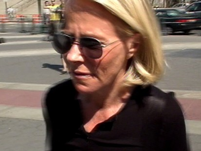 VIDEO: Ruth Madoff visits Bernie in jail