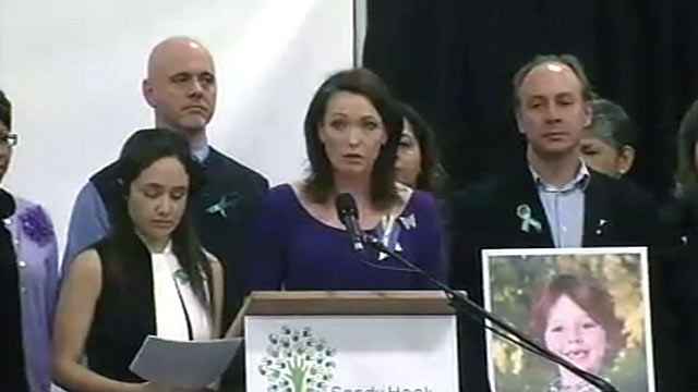 PHOTO: Members of Sandy Hook Promise held a press conference calling for discussions about gun ownership, mental health and other topics, Jan. 14, 2013.