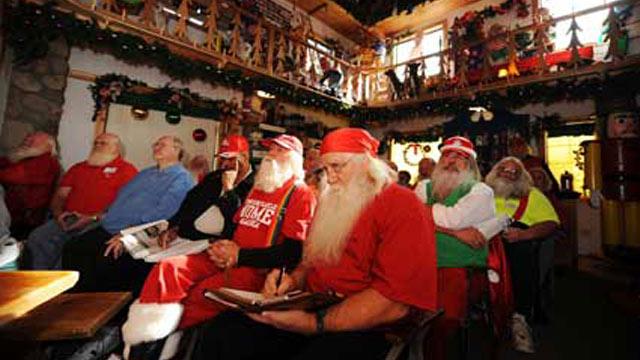 PHOTO: Santa class