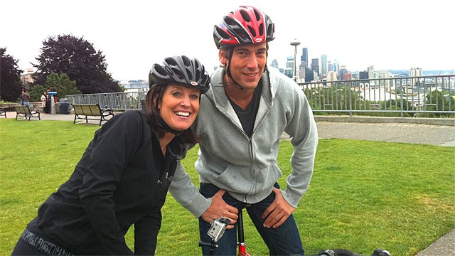 PHOTO: ABC News' David Muir and Sharyn Alfonsi.