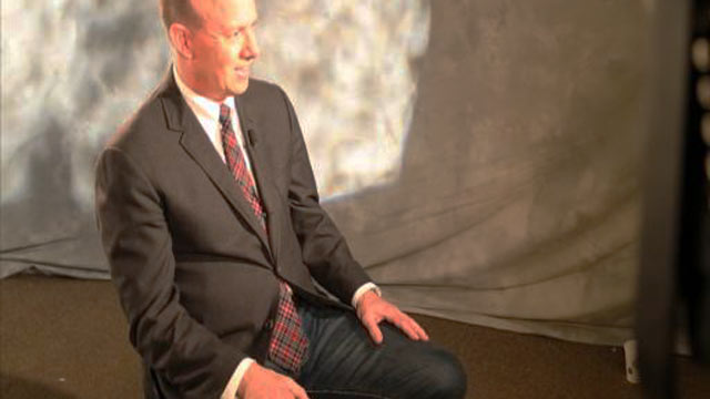PHOTO: Sam Sifton from the New York Times visits ABC Studios to discuss Thanksgiving Dinner preparations.