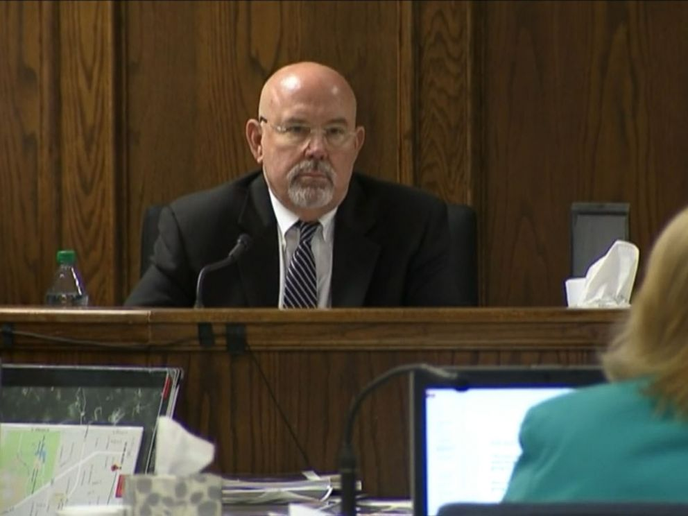 PHOTO: Psychologist Randall Price testifies during the trial of Eddie Ray Routh, who is being charged with the murder of Chris Kyle.