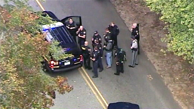 PHOTO: Police search for South Carolina gunman