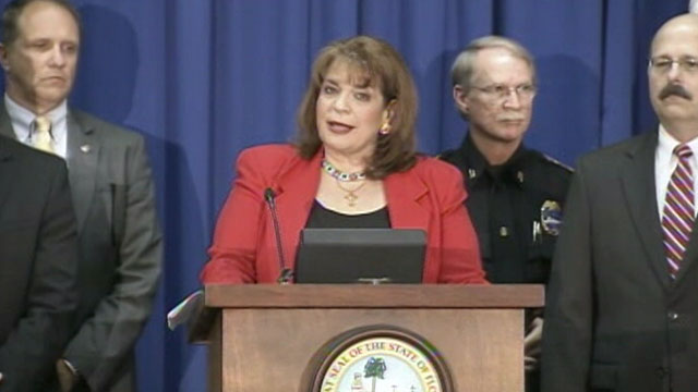 PHOTO: The special prosecutor announces charges against George Zimmerman in the teenagers shooting death in a news conference, April 11, 2012.
