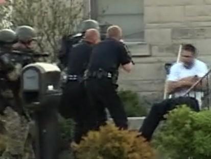 Video: Cops tase robbery suspect after standoff.