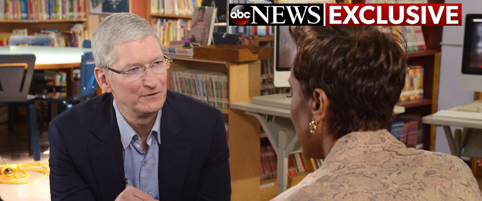 "PHOTO: Robin Roberts interviews Apple CEO Tim Cook at P.S. 161 Pedro Albizu Campos School in Harlem for an interview that will air on ""Good Morning America,"" 9/14/16."