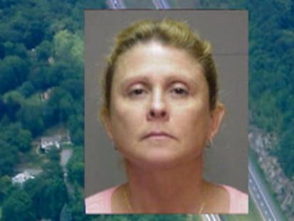 Video: Freighting kid calls 911 to report her drunken driving mom.