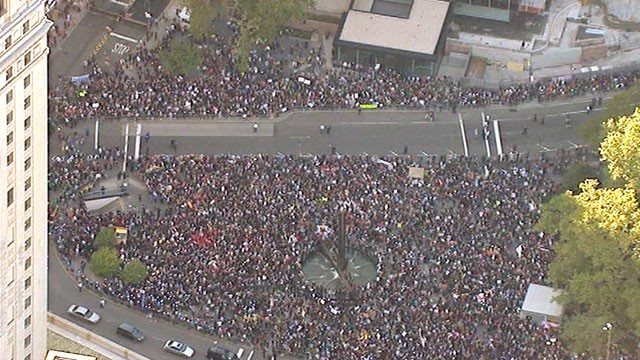 PHOTO: An aerial view of the Occupy Wall Street march shows the crowds have grown larger, Oct. 5, 2011.