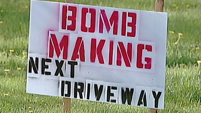 VIDEO: Mosques Neighbor Posts Bomb-Making Sign