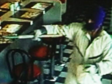 Pitchfork-Wielding Man Robs Waffle House