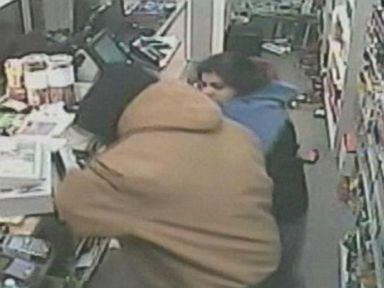 PHOTO: Zara Adil, 21, fought off a robber at Tobacco Zone in Lexington, Kentucky, Feb. 27, 2015.