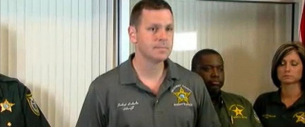 PHOTO: The Gilchrist County Sheriff department holds a press conference about a shooting in Bell, Fla. that left 8 dead, Sept. 18, 2014.