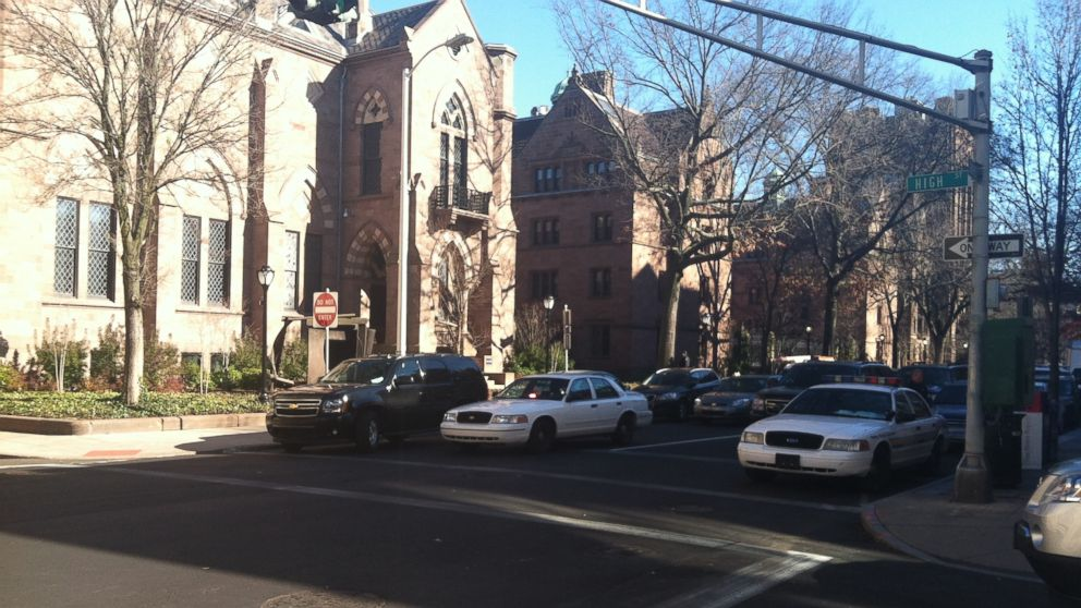 PHOTO: The campus of Yale University is locked down after reports of a gunman on Nov. 25, 2013.
